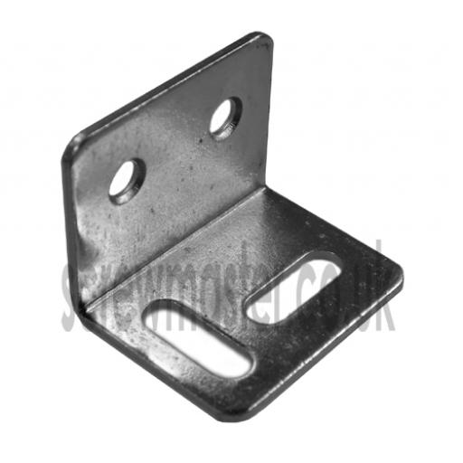 Stretcher Plate Angle Bracket 32mm x 25mm x 25mm x 1.2mm thick BZP steel